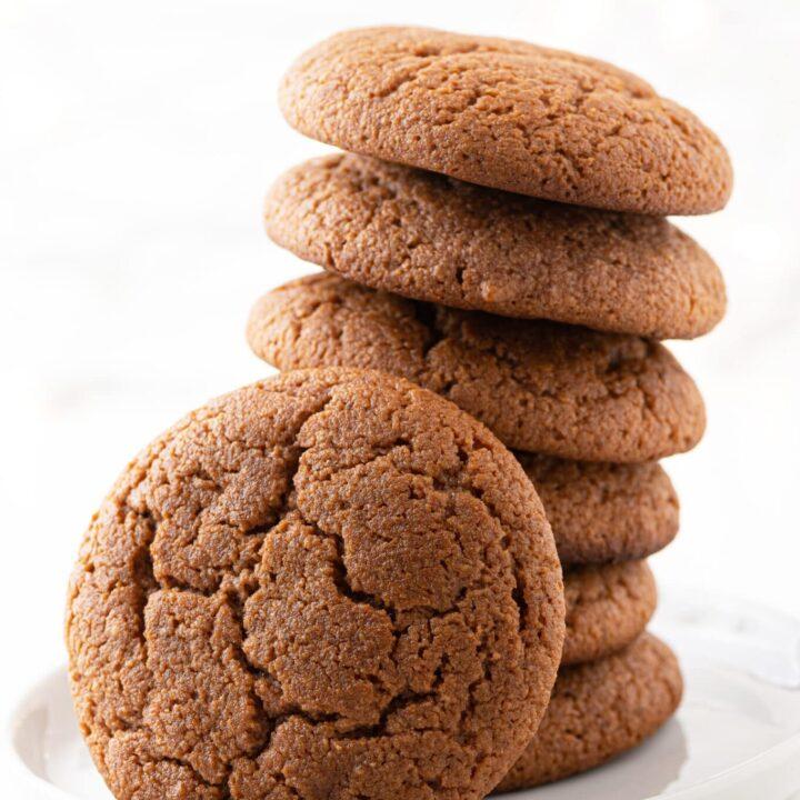 Soft Keto Gingerbread Cookies